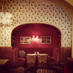 Photo taken at Konditorei Café Diglas by Boris G. on 5/7/2012