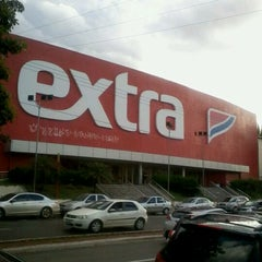 Photo taken at Extra Hiper by Carlos T. on 3/9/2012