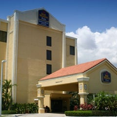 Photo taken at Best Western Plus Kendall Hotel & Suites by Joaquin M. on 6/12/2012