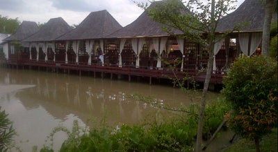 Photo of Indonesian Restaurant Pondok Tepi Sawah Restaurant at Jl. A. Yani Km. 9, Banjarmasin, Indonesia