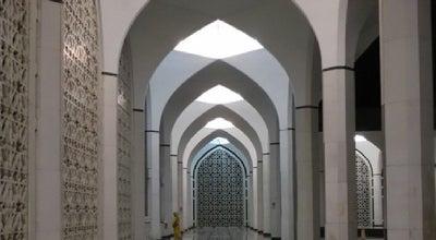 Photo of Mosque Masjid Shah Alam at Seksyen 14, Shah Alam 40000, Malaysia