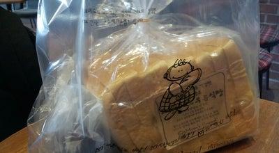 Photo of Bakery 맘스브레드 at 완산구 호암로 81, South Korea