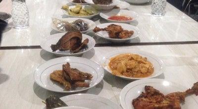 Photo of Arepa Restaurant RM Lamun Ombak ULak Karang at Ulakarang, Paddang, Indonesia