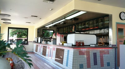 Photo of Burger Joint Louis Burgers III at 555 Atlantic Ave, Long Beach, CA 90802, United States