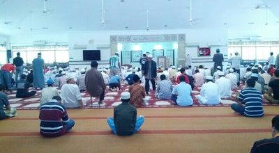 Photo of Mosque Masjid Abu Bakar Al-Siddiq at Jalan Ss 19/7a, Subang Jaya 47500, Malaysia