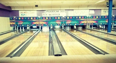 Photo of Bowling Alley Skyway Lanes at Melvin Avenue, Hamilton, ON, Canada