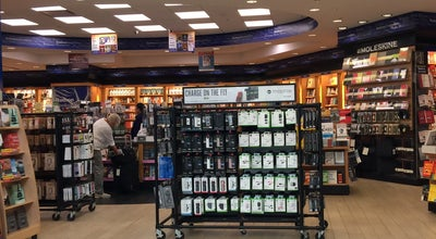 Photo of Bookstore Hudson Booksellers & Papyrus at Terminal C - Concourse Level By C3, Newark, NJ 07114, United States