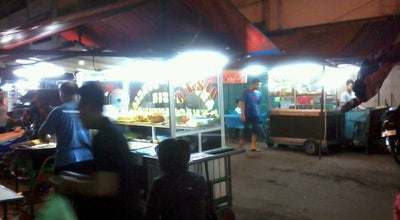 Photo of Food Truck Pasar Kaget Binjai at Jl.jend.ahmad Yani No.150-234, Binjai, Indonesia