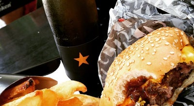Photo of Burger Joint Hell's Burguer at R. Muniz Barreto, 805, Lj. I, Rio De Janeiro 22251-090, Brazil