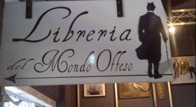 Photo of Bookstore Libreria del Mondo Offeso at Via Cesare Cesariano 7, Milano 20121, Italy
