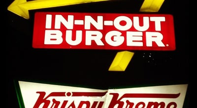 Photo of Fast Food Restaurant In N Out Burger at 260 Washington St, Daly City, CA 94015, United States