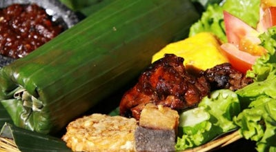 Photo of Sundanese Restaurant RM. Khas Sunda Cibiuk at Jl. L.l.r.e. Martadinata No. 224, Tasikmalaya, Indonesia