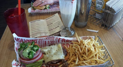 Photo of American Restaurant Smashburger at 1301 S I 35 Service Rd, Moore, OK 73160, United States