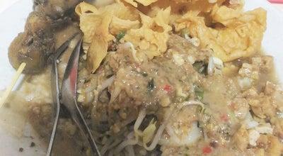 Photo of Vegetarian / Vegan Restaurant Warung Malam Nasi Pecel & Rawon Ngaglik at Jl. Arief Margono, Malang, Indonesia