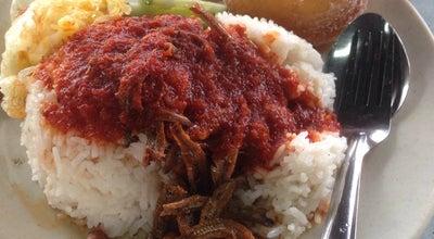 Photo of Malaysian Restaurant Kafe Janggut at Jalan Permatang Laut, Batu Maung 11960, Malaysia