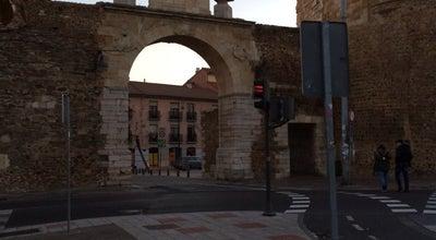 Photo of Historic Site Arco de la Cárcel at C. Serranos, León, Spain
