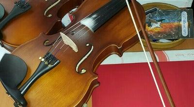 Photo of Music Venue Bamteli Müzik Evi at 24 Ağustos Bulvarı Doğuş İş Hanı Kat 2, Akşehir, Turkey