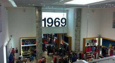 Photo of Clothing Store Gap at Via Del Corso 472, Roma 00186, Italy