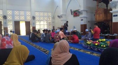 Photo of Mosque Masjid Jamek Kampung Istana at Batu Pahat, Malaysia