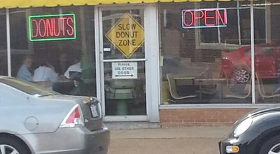 Photo of Donut Shop John Donut Company at 1618 S Broadway, Saint Louis, MO 63104, United States