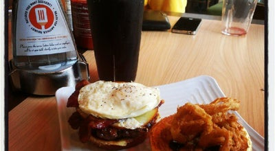 Photo of Burger Joint Tom And Eddie's at 1260 S Milwaukee Ave, Vernon Hills, IL 60061, United States
