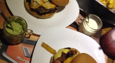 Photo of Burger Joint V8 Burger & Beer at Avenida Paulo Afonso, 521, Sao Bernardo Do Campo 09770-351, Brazil