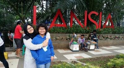 Photo of Park Taman Lansia at Jalan Cisangkuy, Bandung, Indonesia