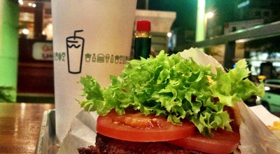 Photo of Burger Joint Shake Shack at مجمع الفنار Alfanar Mall, Salmiya, Kuwait