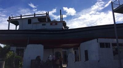 Photo of Historic Site Wisata Tsunami Boat di atas Rumah Lampulo at Lampulo, Banda Aceh, Indonesia
