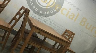 Photo of Burger Joint Special Burger - سبيشل برجر at طريق ابي بكر الصديق, 'Unayzah, Saudi Arabia 51911, Saudi Arabia