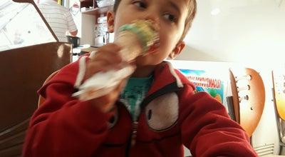 Photo of Ice Cream Shop KAHRAMANMARAŞ Dondurmacısı Yakup Usta🍦🍧🍨 at Cumhuriyet Mahallesi, Çanakkale Çan, Turkey