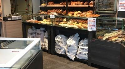 Photo of Bakery Bakkerij Versluis at La Fontaineplein 25, Woerden, Netherlands