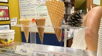 Photo of Ice Cream Shop Ed's Real Scoop at 2224 Queen St. E, Toronto, ON M4E 1E9, Canada