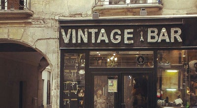 Photo of Jewelry Store Vintage Bar at Paris, France