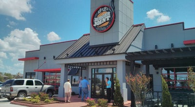 Photo of American Restaurant S&B Burger Joint at 14020 N May Ave, Oklahoma City, OK 73134, United States