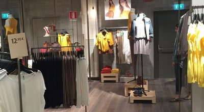 Photo of Clothing Store United Colors of Benetton at Mercerie 2 Aprile, Venezia 30126, Italy