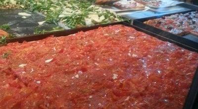 Photo of Pizza Place Pizza di Loretta at 43 Rue La Fayette, Paris 75009, France