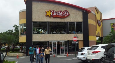 Photo of Burger Joint Carl's Jr. (Charbroiled Burgers) at Alban Borja, Guayaquil, Ecuador