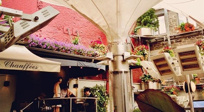 Photo of French Restaurant Jardin Nelson at 407 Place Jacques-cartier, Vieux-Montréal, QC H2Y 3B1, Canada
