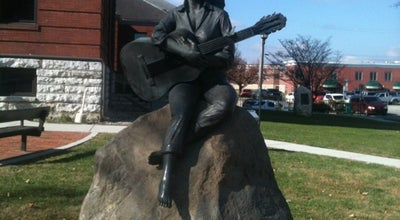 Photo of Sculpture Garden Dolly Parton Statue at 125 Court Ave, Sevierville, TN 37862, United States
