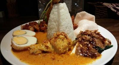 Photo of Asian Restaurant ワルン・スミニャック at 境橋町28-34, Neyagawa, Japan