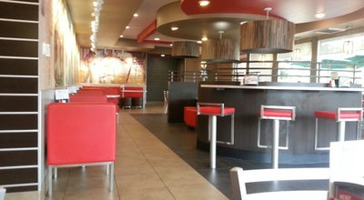 Photo of Fast Food Restaurant Carl's Jr. at 17971 Macarthur Blvd, Irvine, CA 92614, United States