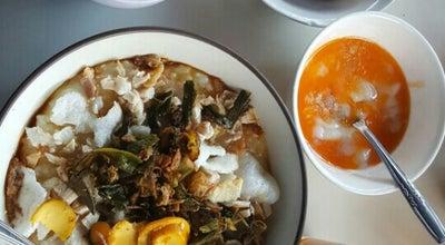 Photo of Breakfast Spot Bubur Ayam Bunut Siliwangi at Jl. Siliwangi No.93/131 Sukabumi, Indonesia
