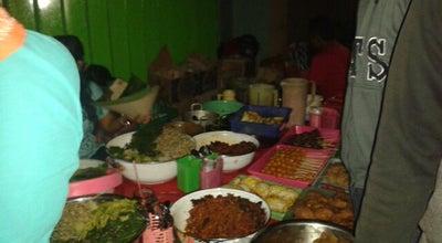 Photo of Asian Restaurant Lesehan Pecel JL Dhoho Kediri at Jalan Dhoho, Kediri, Indonesia