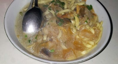 Photo of Ramen / Noodle House mie kocok oom gendutz at Jl. Raya Lembang, Lembang, Indonesia