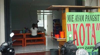 Photo of Food Truck Mie Ayam Pangsit Kota at Ruko Sentra Montreal, Indonesia