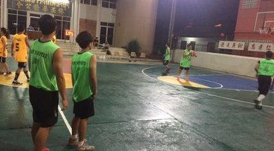 Photo of Basketball Court มูลนิธิสงเคราะห์ราษฎรเพชรบุรี (ก๊กฮง) at มาตยาวงศ์ 76000, Thailand