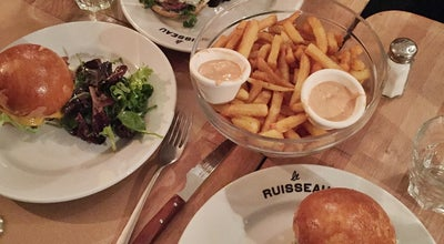 Photo of Burger Joint Le Ruisseau at 65 Rue Du Ruisseau, Paris 75018, France