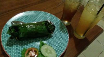 Photo of Cafe Dapur Putih Cafe at Jl. Ar Prawiranegara, Metro Pusat, Metro 34111, Indonesia