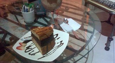 Photo of Cafe Macondo Postres y Café at Avenida 9n # 17n-21, Cali, Colombia
